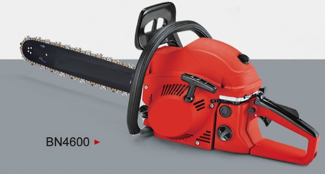 Portable Petrol Operated Chainsaw 46CC 16-20 Inch Length With 550ML Fuel Tank